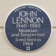 English Heritage blue plaque at no.34 Montagu Square